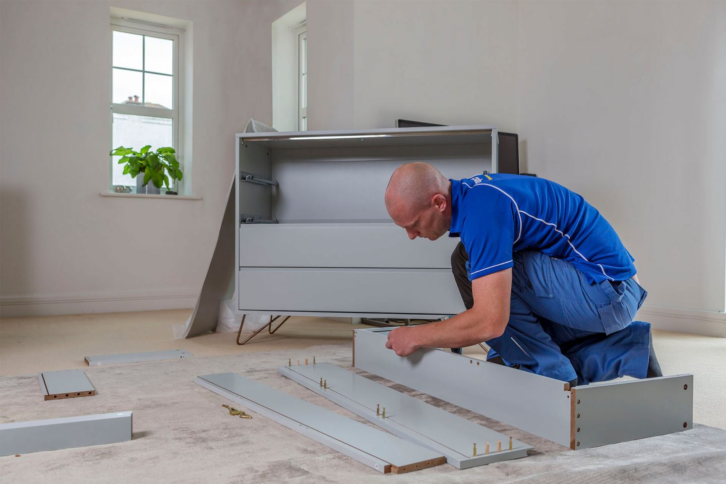 Flat pack furniture assembly service in London