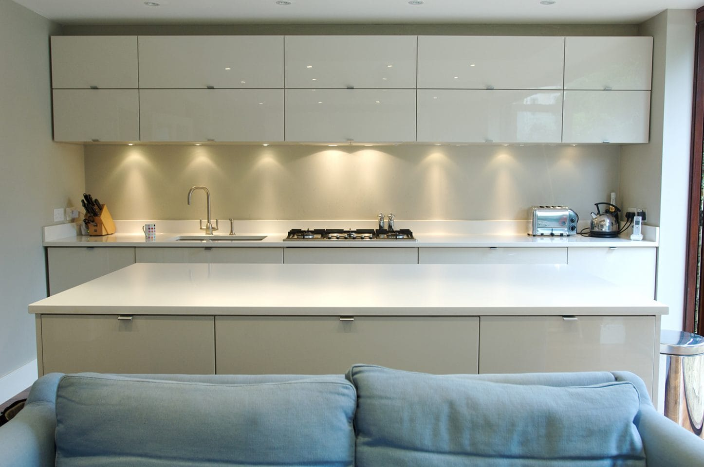 Kitchen and appliance fitting service in London